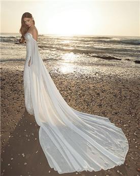 שמלת כלה עם שובל ארוך ונקי