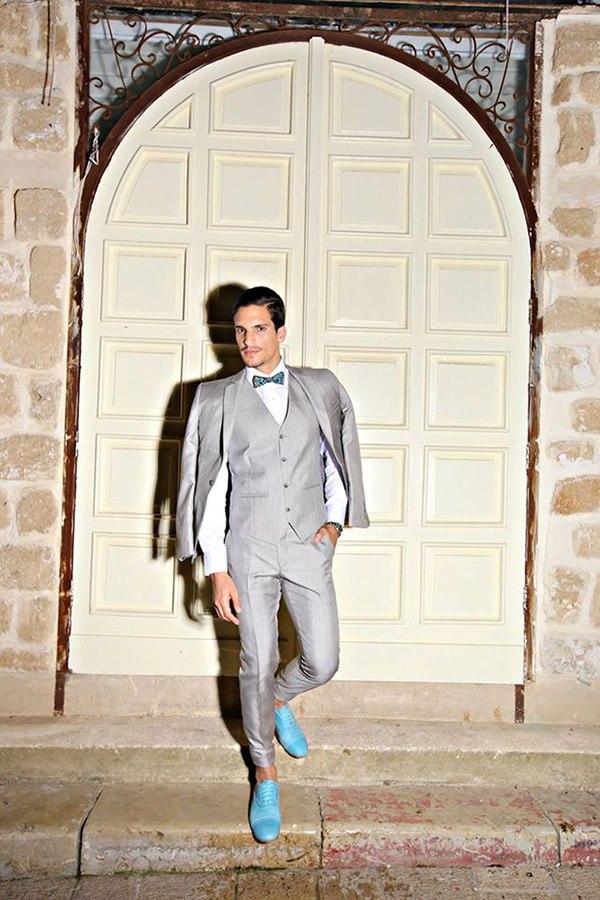 חליפה בהירה לחתן