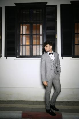 חליפה אפורה לחתן