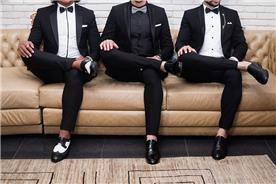 חליפה שחורה מבריקה