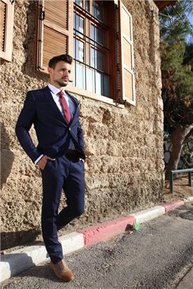חליפות לאנשי עסקים
