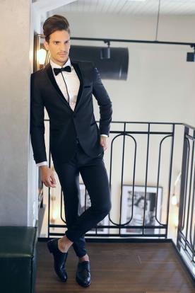 חליפת חתן קלאסית בשחור