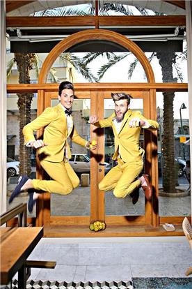 חליפות חתן צהובות