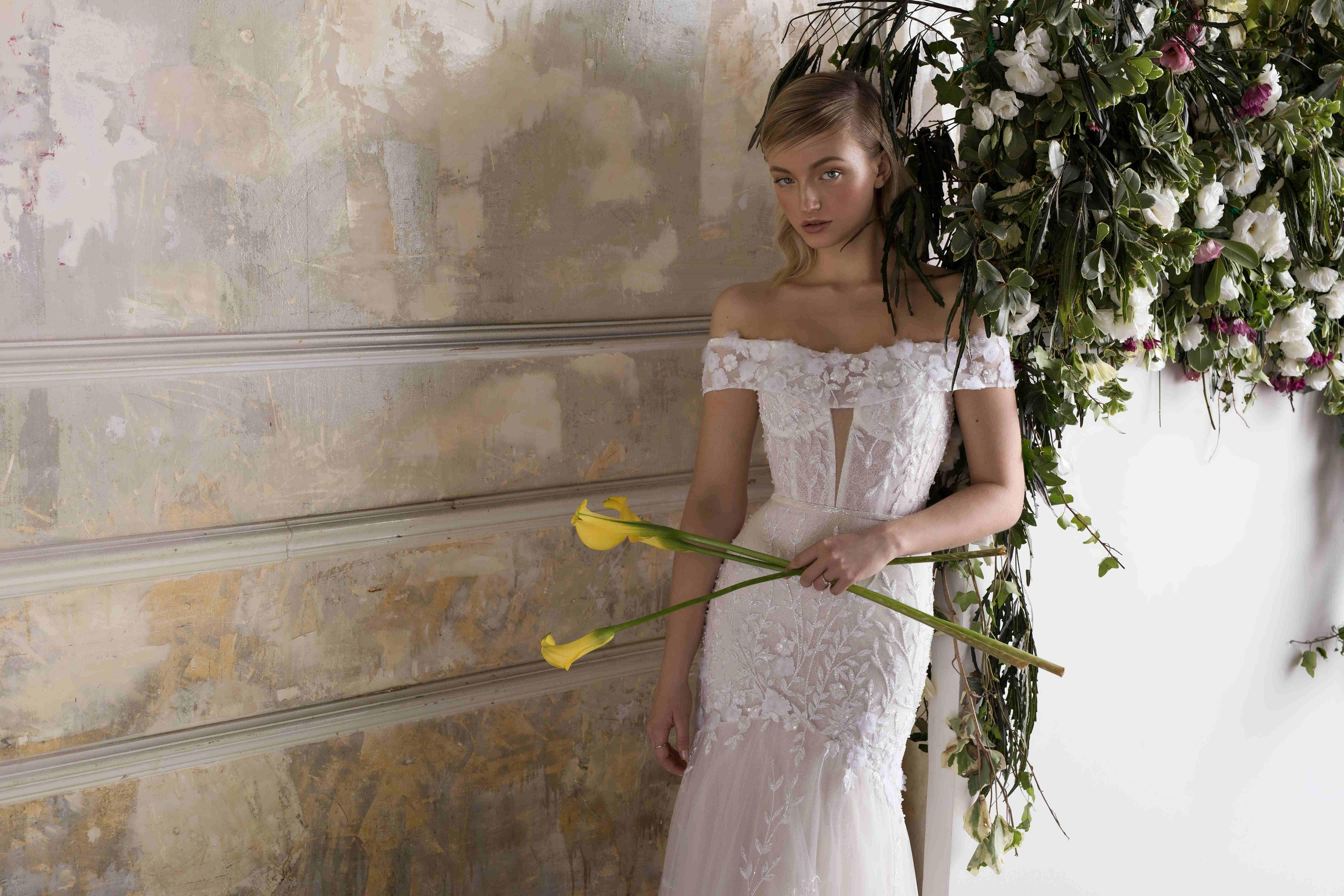 שמלת כלה או ערב: קולקציית 2019, שמלה בסגנון רומנטי, שמלה בסגנון קלאסי, שמלה בסגנון עדין, שמלה עם תחרה, שמלה עם מחוך, שמלה בצבע לבן, שמלת מקסי - לימור רוזן