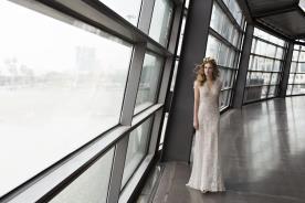 שמלת כלה עם תחרה אלגנטית אורבנית