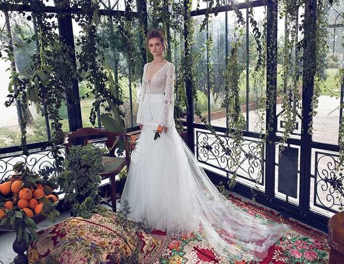 שמלת כלה איכותית עם שובל