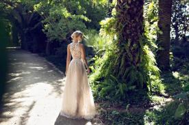 שמלת כלה נוצצת בגוון שמפנייה