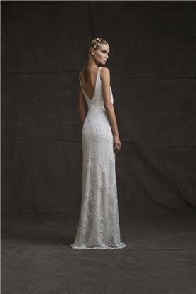 שמלת כלה: שמלה עם כתפיות דקות, שמלה בסגנון רומנטי, שמלה בסגנון קלאסי, שמלה עם תחרה, שמלה עם גב חשוף, שמלה בצבע לבן - לימור רוזן