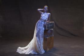 שמלת כלה בשני חלקים למראה מודרני ורך