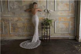 עיצוב שמלות כלה עם שובל