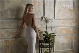 עיצוב שמלות כלה עדינה