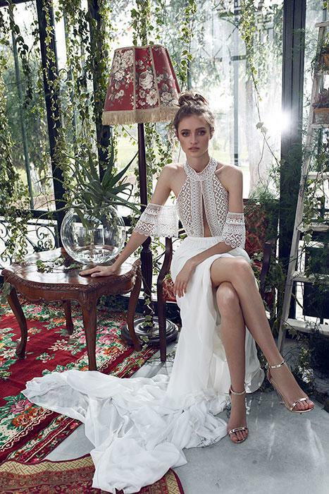 שמלת כלה בעיצוב מיוחד עם שסע