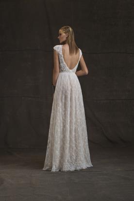 שמלת כלה רןמנטית עם גב פתוח