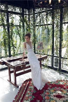 שמלת כלה מיוחדת וארוכה
