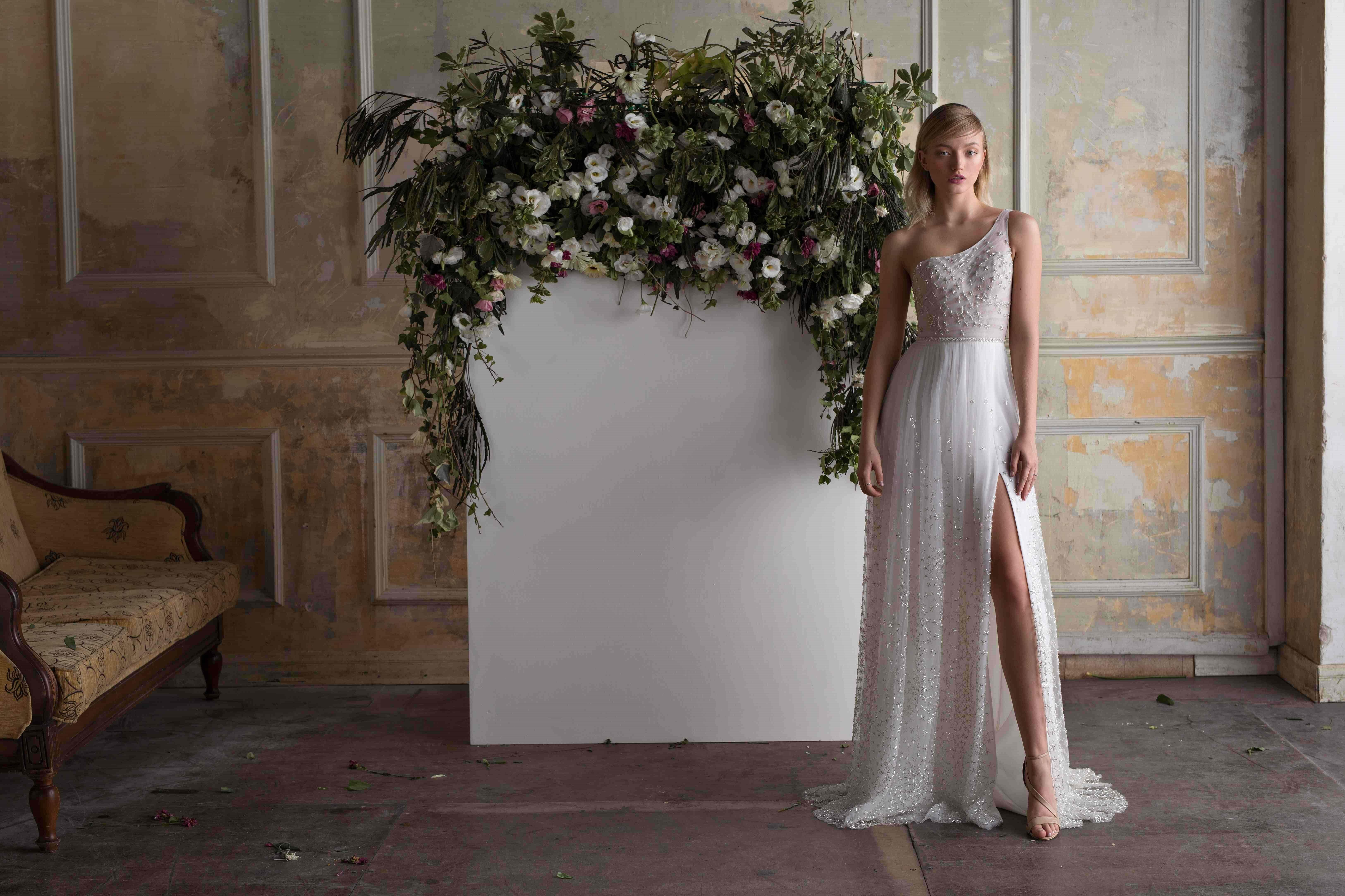 שמלת כלה בהתאמה אישית ייחודית