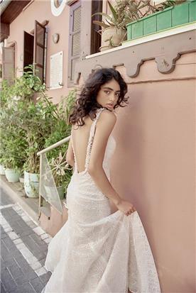 שמלת כלה ורדרדה עם גב חשוף