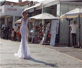שמלת ערב קצרה