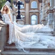 שמלת כלה מחשוף לב,שובל דרמטי