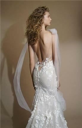 שמלת כלה עם כתפיות מטול