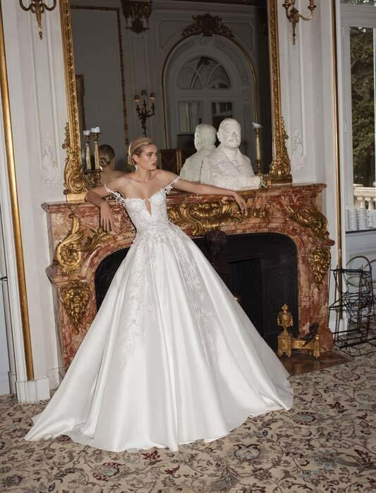 שמלת כלה מבריקה