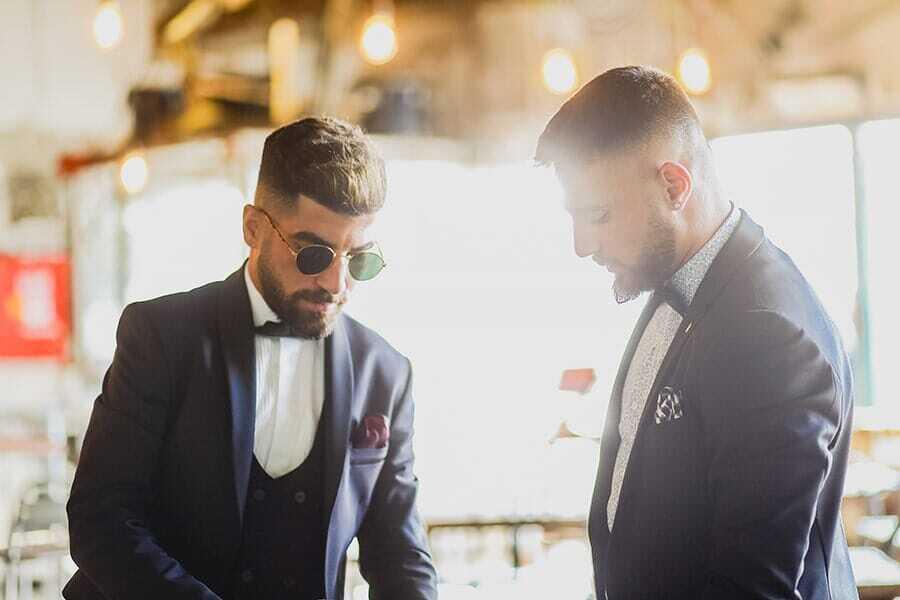 חליפה כחולה לחתנים
