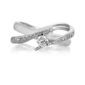 טבעת זהב לבן ויהלומים משובצים