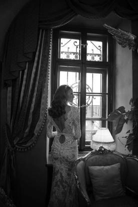 שמלת כלה עם חגורה במותן