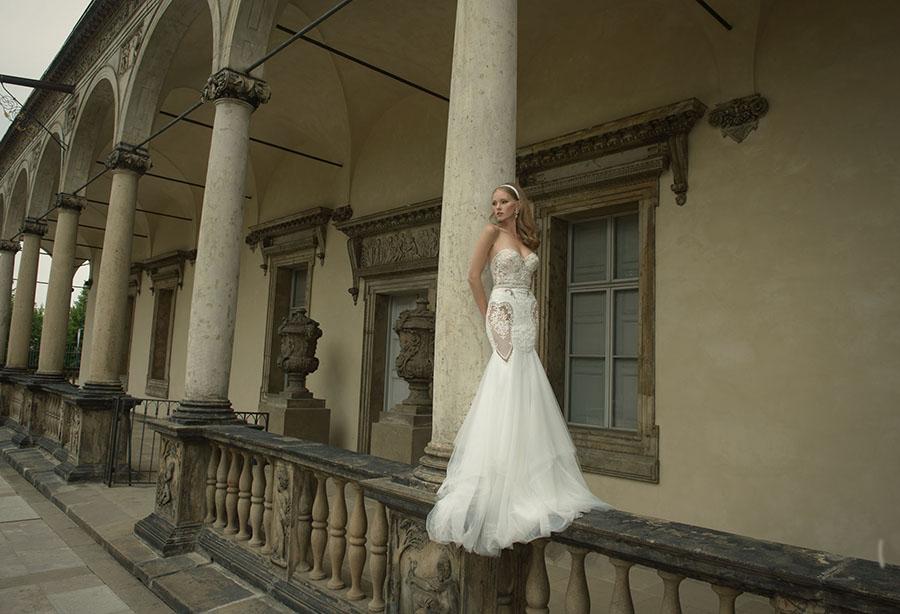 שמלת כלה עם מחשוף סטרפלס