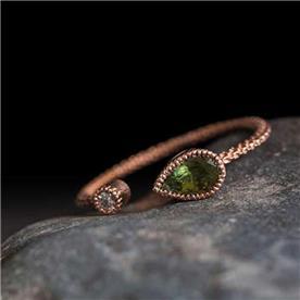 טבעת מעוצבת עדין קוורץ ירוק