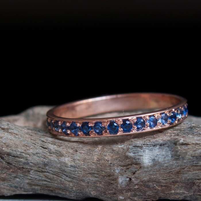 טבעת זהב אדום משובץ