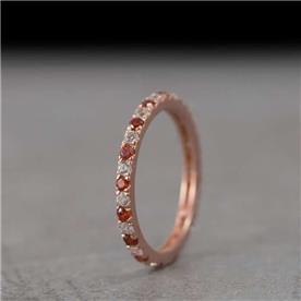 טבעת עדינה וצרה