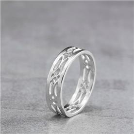 טבעת מעוצבת קלאסית זהת לבן