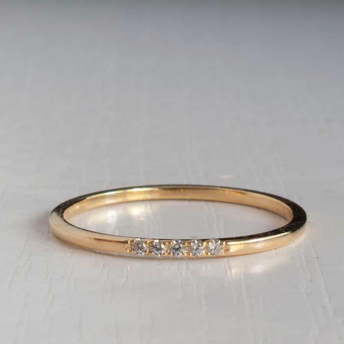 טבעת יהלום עדין