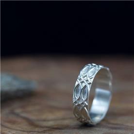 טבעת מעוצבת זהב לבן