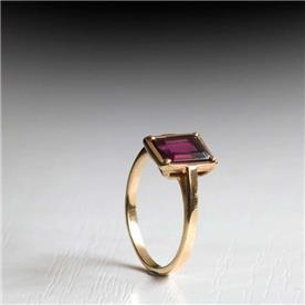 טבעת אירוסין מעוצבת רובי