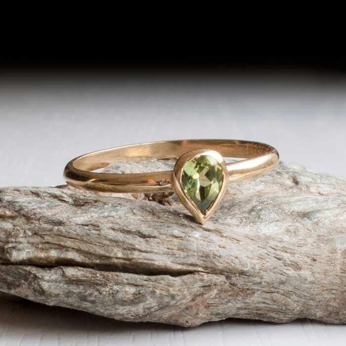 טבעת קלאסית יהלום ירוק