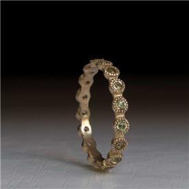 טבעת משובצת בסיטרין