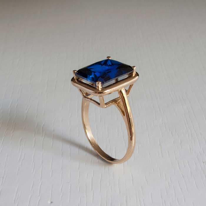 טבעת אבן שטוחה ספיר