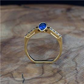 טבעת מעוצבת מודרנית אבן כחולה