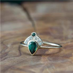 טבעת מעוצבת אבן אמרלד