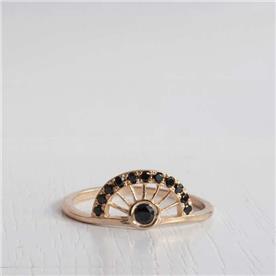 טבעת קשת יהלום שחור