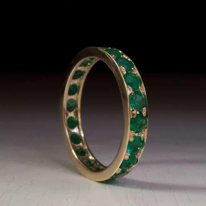 תכשיט: תכשיט לאישה, טבעת אירוסין, טבעת נישואין, תכשיט עם יהלומים, אמרלד, תכשיט מזהב צהוב, טבעת אטרניטי - ארדון - Ardonn