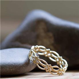 טבעת מעוצבת יהלומים משובצים