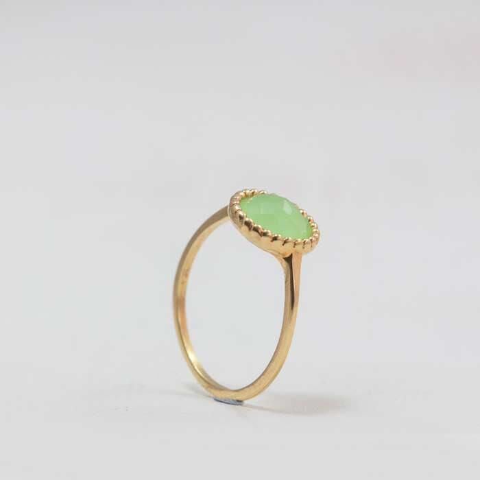 טבעת אבן חן גדולה