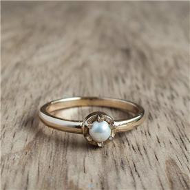 טבעת קלאסית פנינים