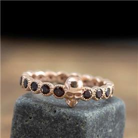 טבעת בעיצוב גולגולת