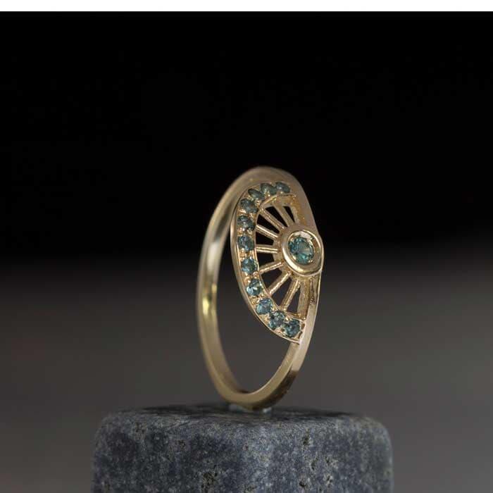 טבעת קלאסית משובץ קוורץ
