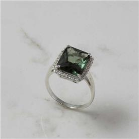 טבעת קלאסית אבן גדולה ויהלומים