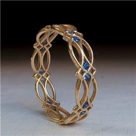 טבעת וינטג עם אבנים כחולות