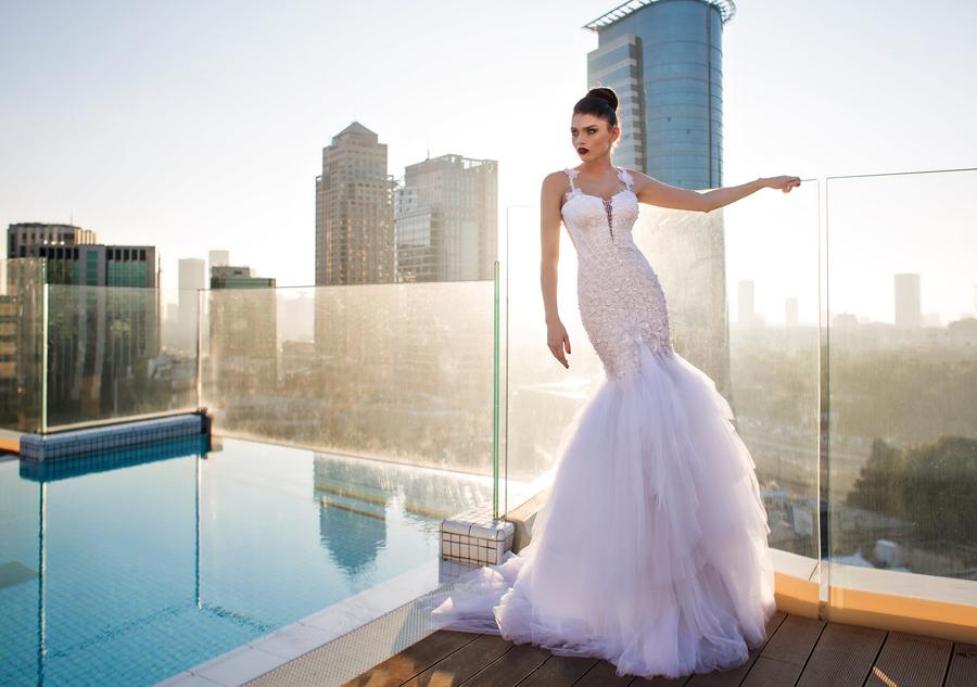 שמלת כלה שכבות טול עם נפח